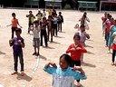 张文浩的体育课发羽毛球前预备运动
