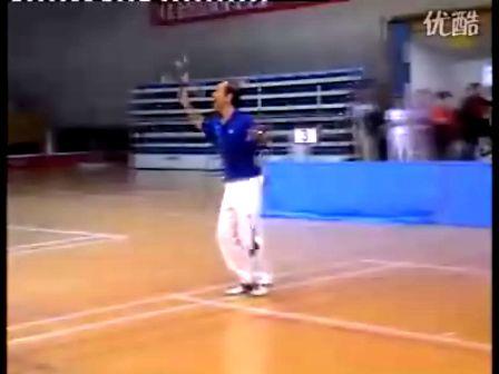 """白榕老师在玉溪表演的柔力球""""的士高"""""""