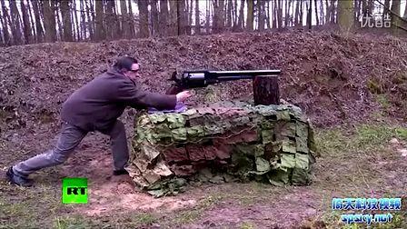 揭秘史上最大左輪槍:1859年問世 可一槍打死大象(視頻+多圖)