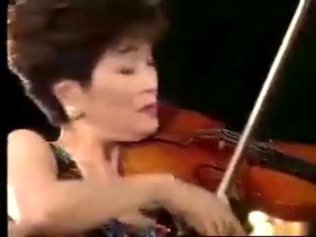 何占豪、陈刚:小提琴协奏曲 梁祝 小提琴独奏 西崎崇子-梁祝协奏曲吉