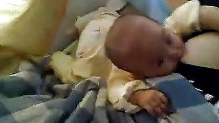 美女母乳喂吃奶 C 搜库