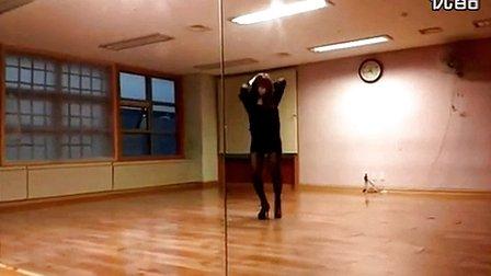 视频 进入专辑 美女主播热舞