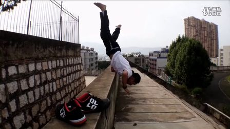 中国跑酷大神昆明极限穿越——刘源