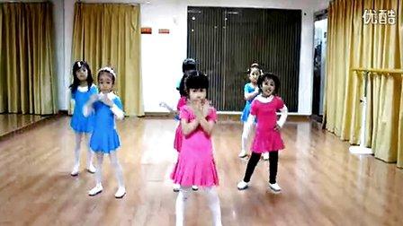幼儿六一儿童节舞蹈 –