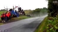 这些摩托车都飞起来了啊!