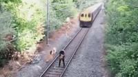 驚險瞬間, 鐵路巡路工人冒死救醉酒女子一命