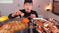 韓國大胃王吃螃蟹泡面, 難道是中彩票了嗎? 第一次見吃這么好!