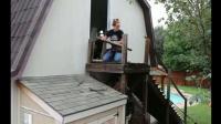 德國女孩一個人就把家里的樓梯扶手全換了, 這才是真正的女漢子