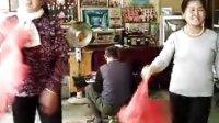 镇川镇自娱自乐团队的安文芳与艾文英表演陕北二人台[十对花]片段韦霞生传送