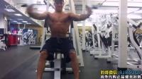【豹哥健美】健身達人標準的坐姿器械夾胸