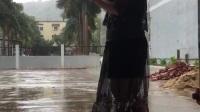 天在下雨我在想你 神麥搭配米高音響伴唱
